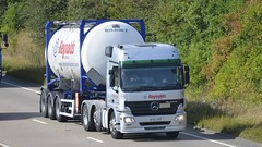 DK58 BVB (panmanstan) Tags: mercedes actros wagon truck lorry commercial intermodal tanker transport freight haulage hgv vehicle a180 meltonross lincolnshire