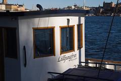 En la tarde (mandoft) Tags: agua estocolmo sweden stockholm sombra mar barco suecia stockholmsln se
