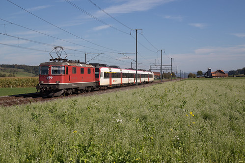 SBB Re 420 141 schleppt Domino RBDe 560