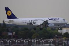D-AIQW / Airbus A320-211 / 1367 / Lufthansa (A.J. Carroll (Thanks for 1 million views!)) Tags: london heathrow airbus lufthansa lhr 320 kleve staralliance egll 1367 a320200 a320211 daiqw 09l hamburgairport100jahre