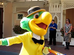 Mickey's Soundsational Parade -- Jose Carioca (Jade Monster) Tags: mainstreet disneyland townsquare josecarioca mickeyssoundsationalparade