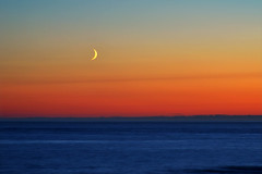 Crescent (clearbluelight) Tags: ocean sunset sea moon cornwall crescent crescentmoon gwithian nikon18135