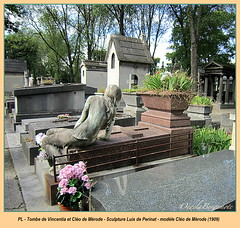 Mother and daughter (Kay Harpa) Tags: sculpture paris france grave tombe 1909 cimetireprelachaise mreetfille pleureuse photokay cleodemrode juillet2012 vincentiaetclodemrode modleclodemrode sculpteurluisdeperinat