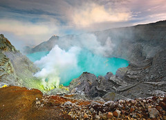 2010-09-28_0932512   Subscriber-false   Marketing-false   Newsletter-false   RegYSNewsletter-true  MicroTransactions-true (quaranta2) Tags: bali nature indonesia crater jessy denpasar ijen kawah tropicaliving myshotngmviaftp contestyourshot eykendorp