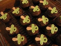 Chupetinhas Verdes (Confetti & Cupcakes) Tags: cake bar spider cupcakes high mini confetti evento beb bolo casamento convite festa aniversrio ch aranha marmita drika homen monter personalizados novaes gostosos decorados