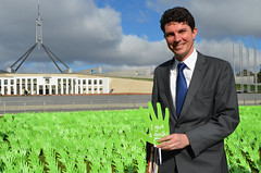 Scott Ludlam gives a Gonski