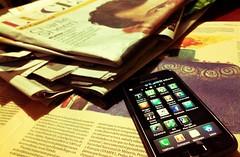 smartphone prensa periódicos diarios (Photo: clasesdeperiodismo on Flickr)