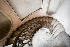 Abandoned mansion, somewhere in Italy. (ste_peg) Tags: stepeg abandoned villa mansion stairs staircase dust ruins decay decadence design urbex urbanexploration exploring architecture place building italy house abbandono abbandonata abbandonato posto edificio casa scala degrado rovine polvere architettura italia