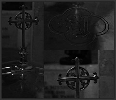 11 - Rambouillet, glise Saint-Lubin-et-Saint-Jean-Baptiste, Fonds baptismaux (melina1965) Tags: aot august 2016 ledefrance yvelines nikon d80 noiretblanc blackandwhite bw mosaque mosaques mosaic mosaics collages collage macro macros glise glises church churches rambouillet sculpture sculptures fer iron ferronnerie ironwork ironworks croix cross crosses fondsbaptismaux baptismalfonts