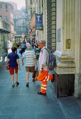 Genova (Etumies) Tags: streetphotography filmphotography analogousphotography leica leicaphotography italia italy genova genoa liguria ligure workman worker dayglo workwear bus stop busstop