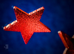 """Mirror Image"" (DeePee64) Tags: star reflection mirror mirrorimage macro bokeh red redstar bluebackground felt"