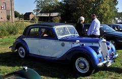 Two-tone Riley saloon (Pim Stouten) Tags: arden british car auto wagen pkw vhicule macchina burgzelem riley saloon sedan
