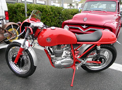DSCN2754 (FLY2BIGBEAR) Tags: uk cruise classic car unitedkingdom motorcycle hotrod british bsa donutderelicts