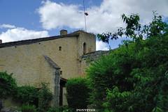 Larenssingle (pontfire) Tags: france village fort garonne 32 gers bastide midipyrénées villagedefrance pontfire