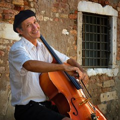 Improvising cellist Peter Lewy surprises every passerby (Bn) Tags: world life street trip travel bridge original venice summer italy musician music playing