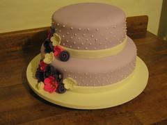 Casamento Lilas (Confetti & Cupcakes) Tags: cake bar spider cupcakes high mini confetti evento beb bolo casamento convite festa aniversrio ch aranha marmita drika homen monter personalizados novaes gostosos decorados