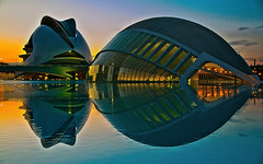 Valencia Ciudad de las Artes y las Ciencias - Valencia City of Arts and Sciences (Antonio Mesa Latorre) Tags: sunset reflection water valencia atardecer agua reflejo