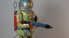 Schylling – Battery Operated – Space Man – (Farewell Mr. Armstrong!) – In Action!! (My Toy Museum) Tags: man tin space battery pass neil away armstrong schylling
