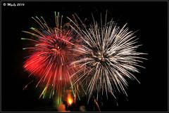 Gemelli Diversi (Maurizio Longinotti) Tags: santandreadifoggia madonnadelcarmine spettacolopirotecnico fuochidartificio fireworks rapallo colori colors liguria italia italy