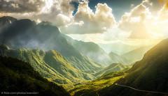 O Quy Ho_TLoTR_Style (Xversion1) Tags: nuinon oquh ni phongcanh nature thtrn troi cngtri butri sapa tri sky sunlight may bautroi quhpass landscape thin my sunset northernwest tybc oquyhopass anhsangmattroi phongcnh town clouds sunray sun deooquyho laocai nui nhsngmttri vn o locai hoanghon taybac green ninon cloud pass mountain