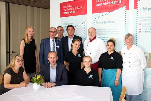 Besuch der VHS-Jugendwerkstatt Oldenburg mit SPD-Ratskandidatin Angela Holz (2. v.l.)