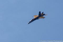 CF-18 Hornet Demo (Avelino Zepeda) Tags: canadianinternationalairshow canadianairshow torontoairshow cias toronto harbourfront cf18 cf188 rcaf royalcanadianairforce canadianairforce cf18demoteam cf18demo canadianf18 f18 hornet