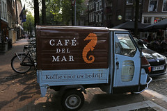 coffee from the sea (Elly Snel) Tags: amsterdam stad city street straat car auto cafdelmar koffievandezee