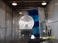 Tank-E Electric Powered Tanker Wash Machine. (Speedy Wash by Bitimec) Tags: school bus mobile truck coach machine brush cleaning wash vehicle trailer schoolbus speedy washing tanker rinse autonomous buswash truckwash bitimec speedywash