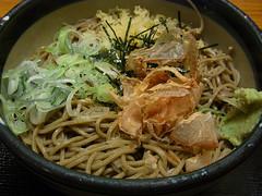 Bukkake Soba Noodles (edamame note) Tags: food cold green japan japanese bonito noodles soba chopped onion wasabi buckwheat bukkake negi katsuobushi tenkasu r0010275 mijingiri