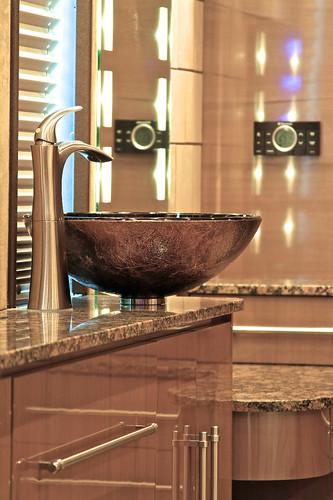 Platinum - Rear Stateroom Vanity
