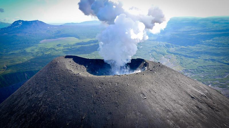 Volcán Karymsky