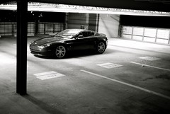 at rest (wilmer.gaviria) Tags: astonmartin vantage v8v