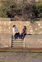 Romance en el Sena (carlos_ar2000) Tags: paris color colour love rio stairs river couple riverside pareja amor francia costanera escaleras sena