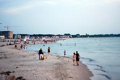 beach (cassijones.) Tags: brazil beach nature brasil germany landscape deutschland warnemnde day clear brsil mecklenburgvorpommern warnemunde cassijones cassijonescom cassianorosrio