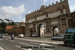 1823 2010 Mercato dei Buoi fuori Porta del Popolo b (Roma ieri, Roma oggi: Raccolta Foto de Alvariis) Tags: rionecampomarzio roma rome italy lazio fotoalvaroedelisabettadealvariis 2010