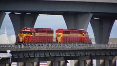716 2016.08.18 Bayfront (5) met 715 (Rob NS) Tags: bayfront miami 715 716 floridaeastcoast train locomotive