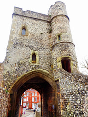 Lewes Castle (photphobia) Tags: lewes eastsussex buildings building buildingsarebeautiful architecture oldtown oldwivestale countytown myhometown outdoor outside southeast southeastengland england paulmurray photphobia castle castillo fortress fort gate gateway