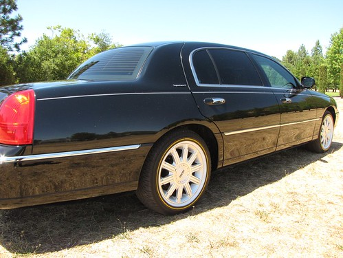 2007 Lincoln Towncar Signature L For Sale Rare Limousine Equipped