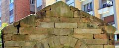Fuente de Foncalada  siglo IX (Hesperetusa) Tags: de edificios asturias oviedo ix reino siglo asturiano medievales civiles prerromnico