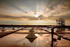 (A worker in the salt field) (michaelrpf) Tags: taiwan figure tainan     saltfield  mygearandme mygearandmepremium mygearandmebronze mygearandmesilver mygearandmegold mygearandmeplatinum mygearandmediamond