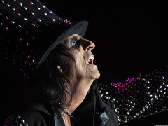 20120808_35 Alice Cooper at Liseberg | Gothenburg, Sweden (ratexla) Tags: show life people musician music man men guy celebrity rock musicians gteborg person concert europe artist tour rockstar sweden earth live famous gothenburg gig performance guys dude entertainment human liseberg artists rockroll horror shock celebrities sverige celebs rocknroll musik dudes scandinavia celeb humans scandinavian konsert 2012 alicecooper goteborg tellus homosapiens organism storascenen photophotospicturepicturesimageimagesfotofotonbildbilder notintheeternityset canonpowershotsx40hs 8aug2012