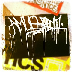 AMUSE (billy craven) Tags: chicago graffiti sticker 126 amuse handstyles kwt slaptag 2nr amuser uploaded:by=instagram