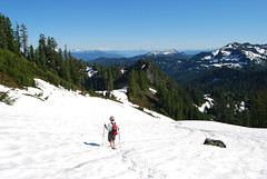 Descending Park Butte (Sotosoroto) Tags: mountains washington hiking cascades dayhike parkbutte