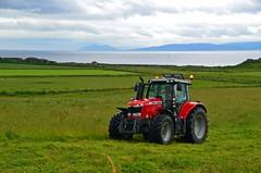 (Zak355) Tags: tractor scotland farm farming scottish tractors bute rothesay isleofbute masseyferguson dunagoil 7718