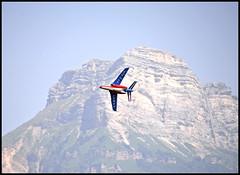 Un Alpha Jet de la Patrouille de France (wilphid) Tags: montagne alpes grenoble t avions chaleur aroport meetingarien isre leversoud