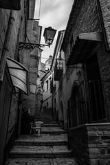 Chair, Pietramontecorvino, Puglia, Italy (Davide Tarozzi) Tags: chair pietramontecorvino puglia italy apulia sedia viuzza street borghipibelliditalia
