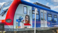 S-Bahn Mnchen Werbezug  (holzi1156) Tags: sbahn eisenbahn train werbezug
