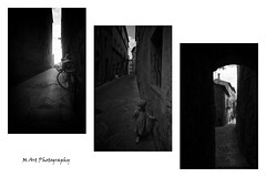 Tuscany (19Mauro64) Tags: martphotography monochrome lightshadow contrast walkingtour elementspatterns exposition reflection riflessi italy toscana arte silverefex structure streetphotography freeform graytones child xt1 xf14mm28 view village bw bianconero oldbuilding nature