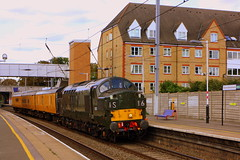Split Boxes and Round Buffers at Elstree and Borehamwood (Chris Baines) Tags: 37057 elstree borehamwood derby dollands moor test train networkrail also d6757