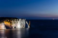 DSC_2946 (fabiennethelu) Tags: etretat borddemer falaise mer plage rocher village normandie france nikon seascape seaside rock cliff beach night water light
